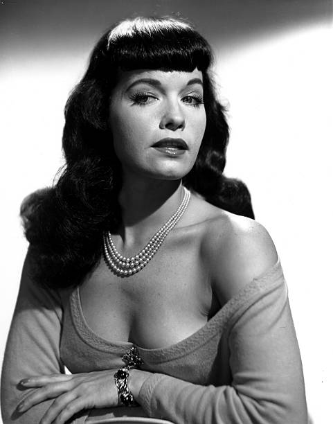 bettie-page-glamour-pin-up