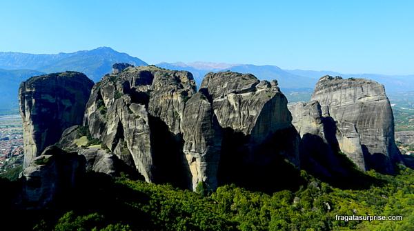Formações rochosas em Meteora, Grécia
