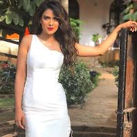 Nia Sharma Sebagai Pemeran Manvi Chaudhary