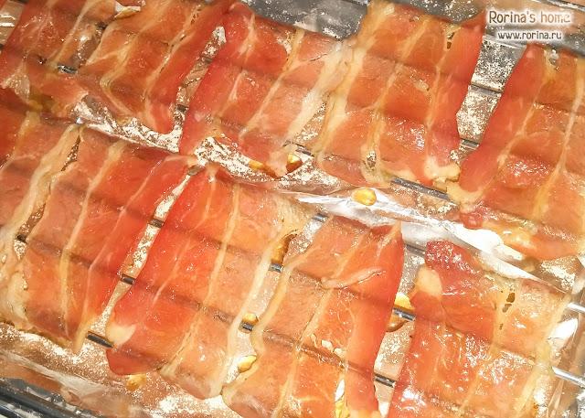 Чипсы из бекона в духовке - рецепт