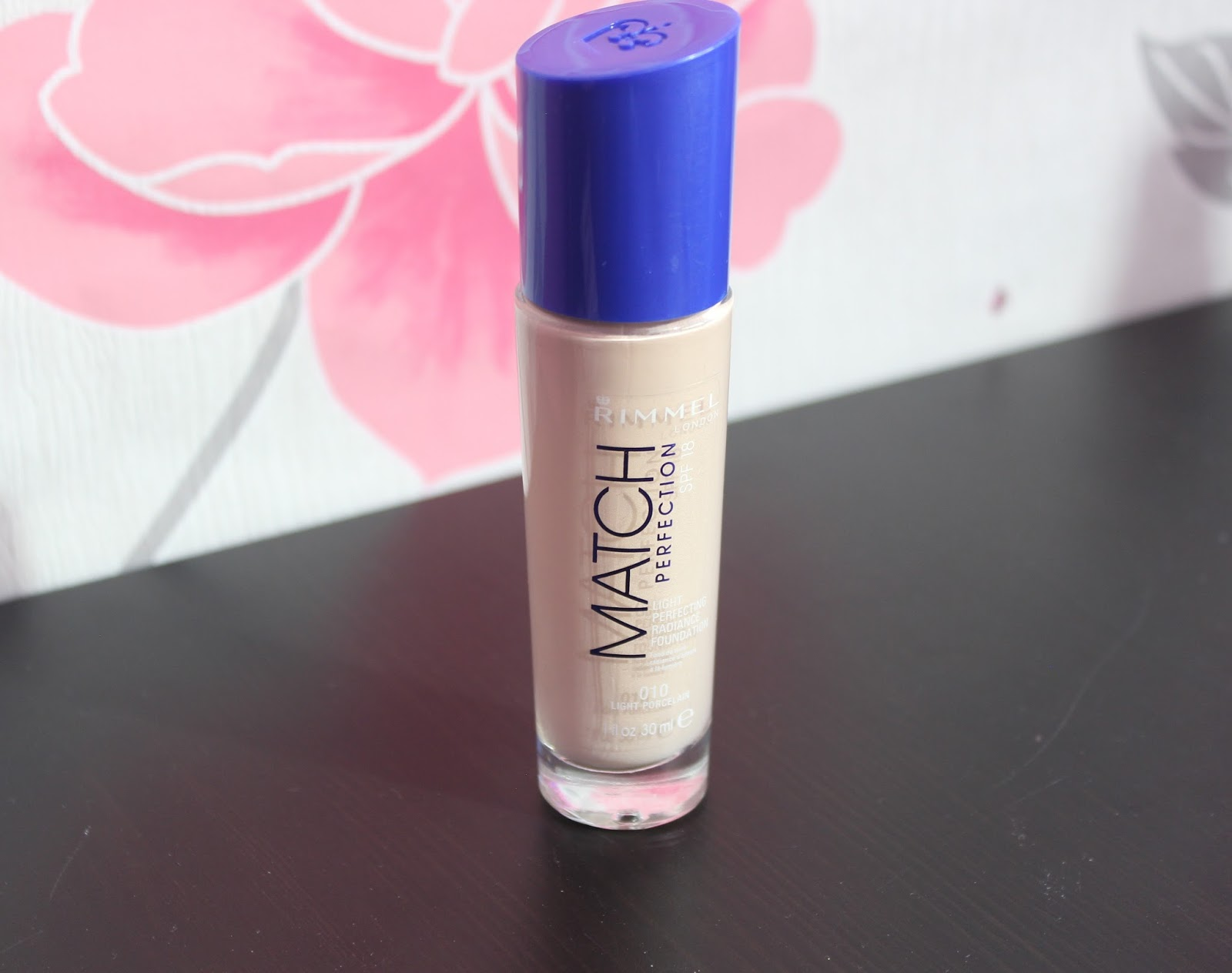 Rimmel Match Perfection foundation in 010 Light Porcelain