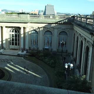Residência do Governador no Palácio Piratini, Porto Alegre - Ao fundo, o Centro Administrativo