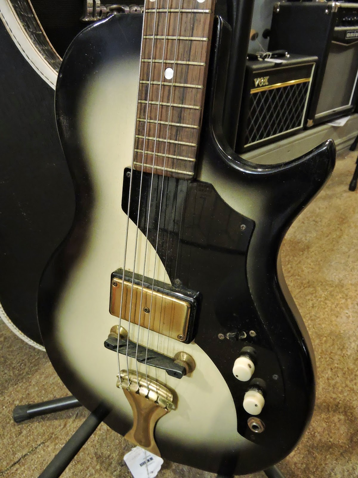 canadian vintage guitar hunt 1959 supro electric. Black Bedroom Furniture Sets. Home Design Ideas