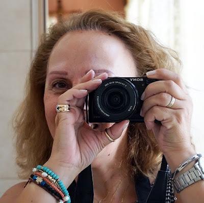 meet-the-blogger-eikones-kai-psithyroi