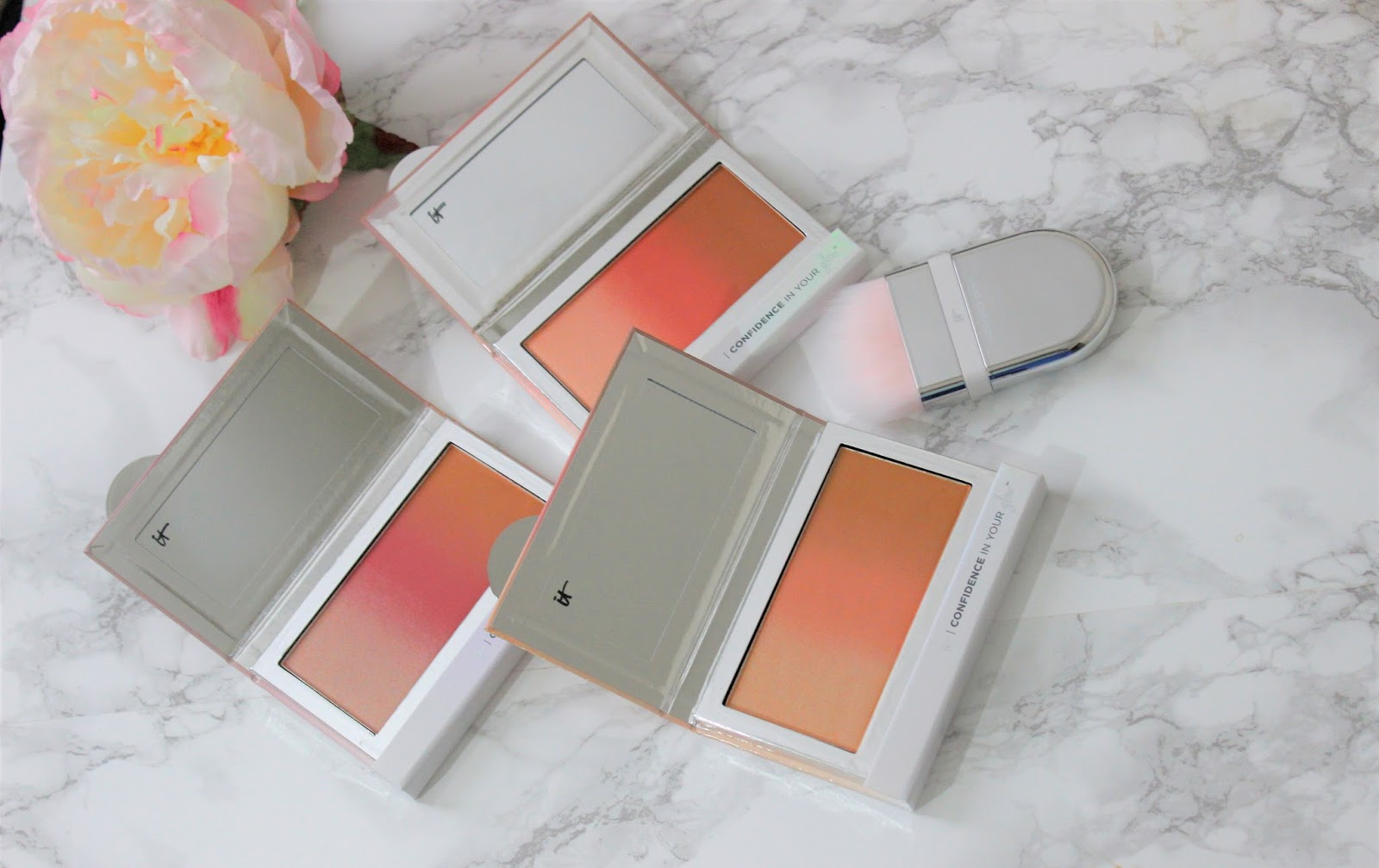 It Cosmetics Confidence in your glow blush and bronzer