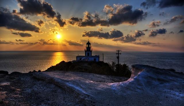 Pôr-do-sol no farol, Santorini