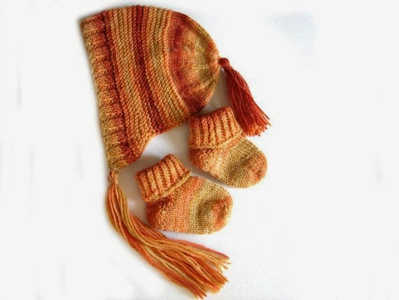 https://www.etsy.com/listing/185240025/brown-and-orange-baby-bonnet-and-socks?ref=favs_view_6