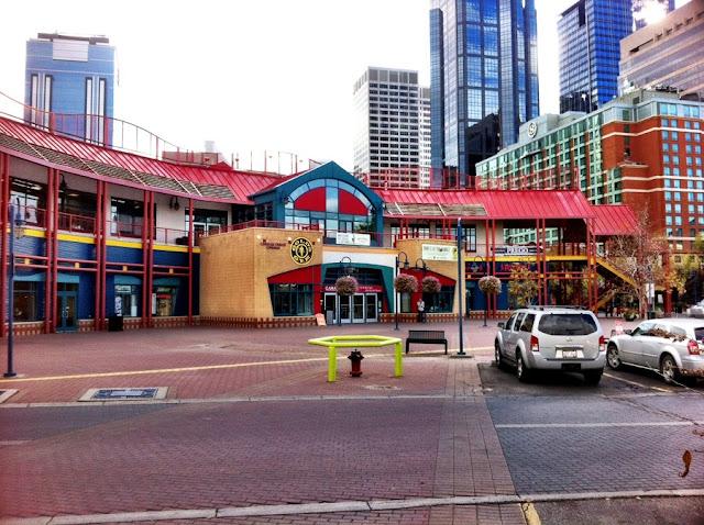 Eau Claire Market em Calgary