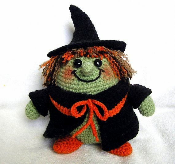 24 Free Halloween Witch Crochet Patterns | HubPages | 534x570