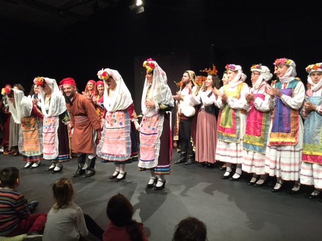 Ο Γ. Γκιόλας στη μουσικοχορευτική θεατρική παράσταση στην Ερμιονίδα με κάλαντα από όλη την Ελλάδα
