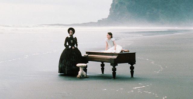 """""""La leçon de piano"""" - Ada et Flora sur la plage"""