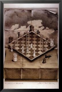 Satranç tahtasının bir yüzünde beyaz taşları diğer yüzünde siyah taşları gösteren tablo