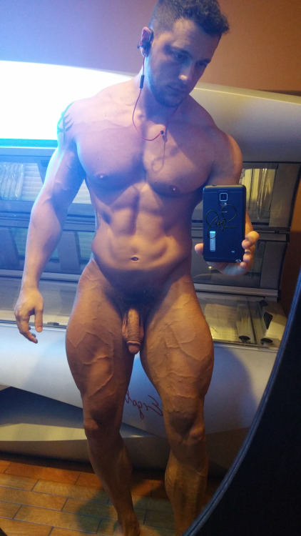 Naked Amateur Guys Bodybuilders