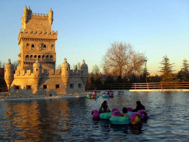 Atracciones en el Parque Europa Torrejón en Madrid