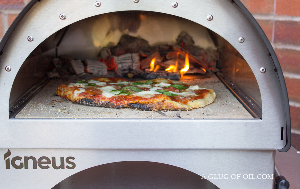 Igneus Minimo Wood-fired Pizza Oven with Margarita Pizza Cooking