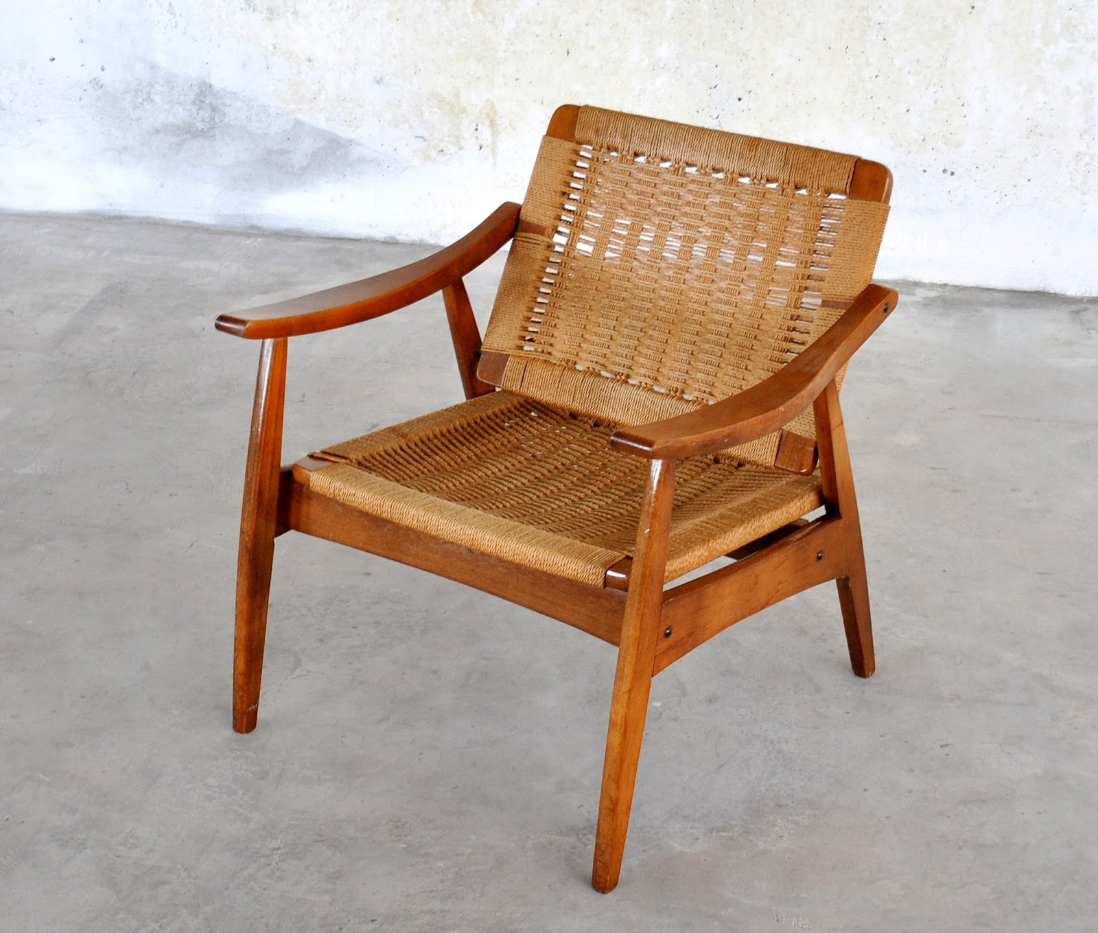 SELECT MODERN: Hans Wegner Style Rope Lounge Chair