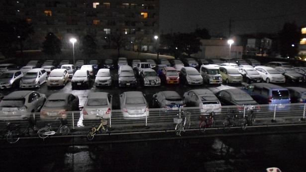 真夜中の降雪