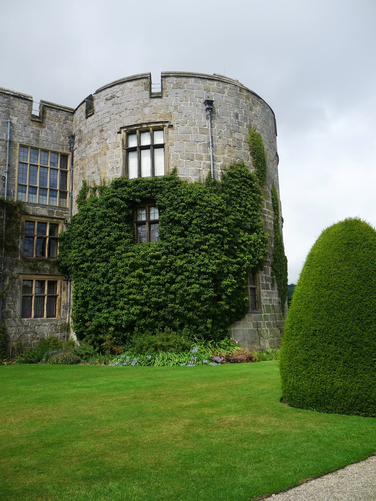 Life of Pottering: Beautiful Britain - Chirk Castle NT, Wrexham