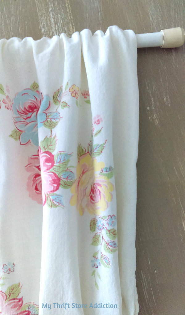 Vintage pillowcase curtains tutorial