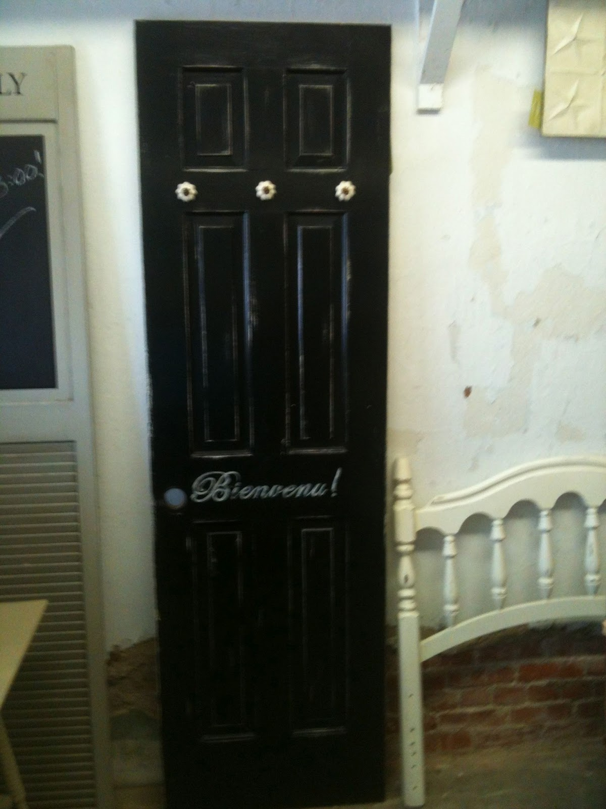 The Painted Paisley Quot Welcome Quot Door Black Distressed