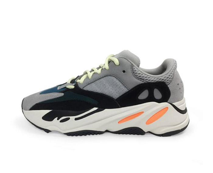 ac4e99c404b6 ... ao melhor estilo Daddy Shoes, tendência que chegará em diversas marcas  pra 2018. Será que teremos outro sucesso de vendas dessa collab entre Kanye  West ...