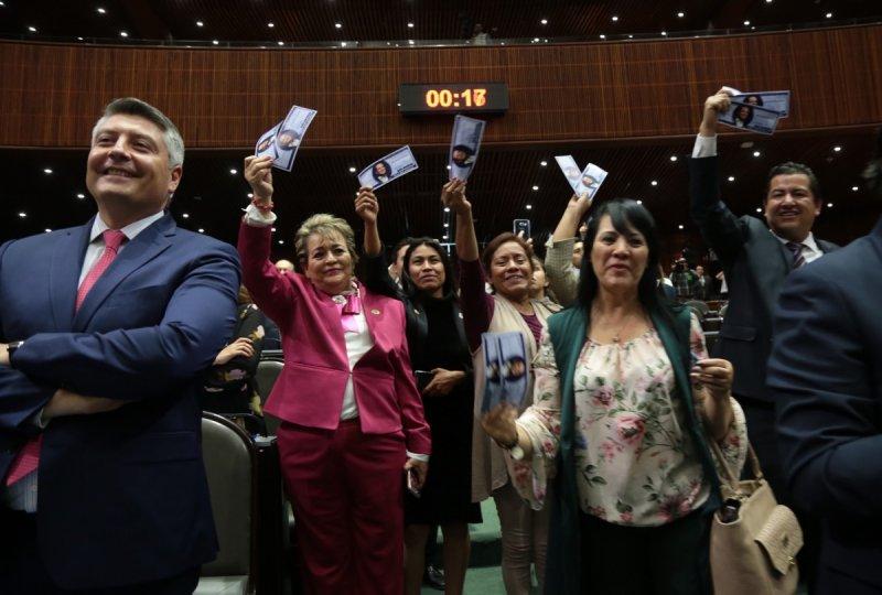 Cada coordinador parlamentario reciben 132 mil mensuales por cada diputado integrante de su fracción.