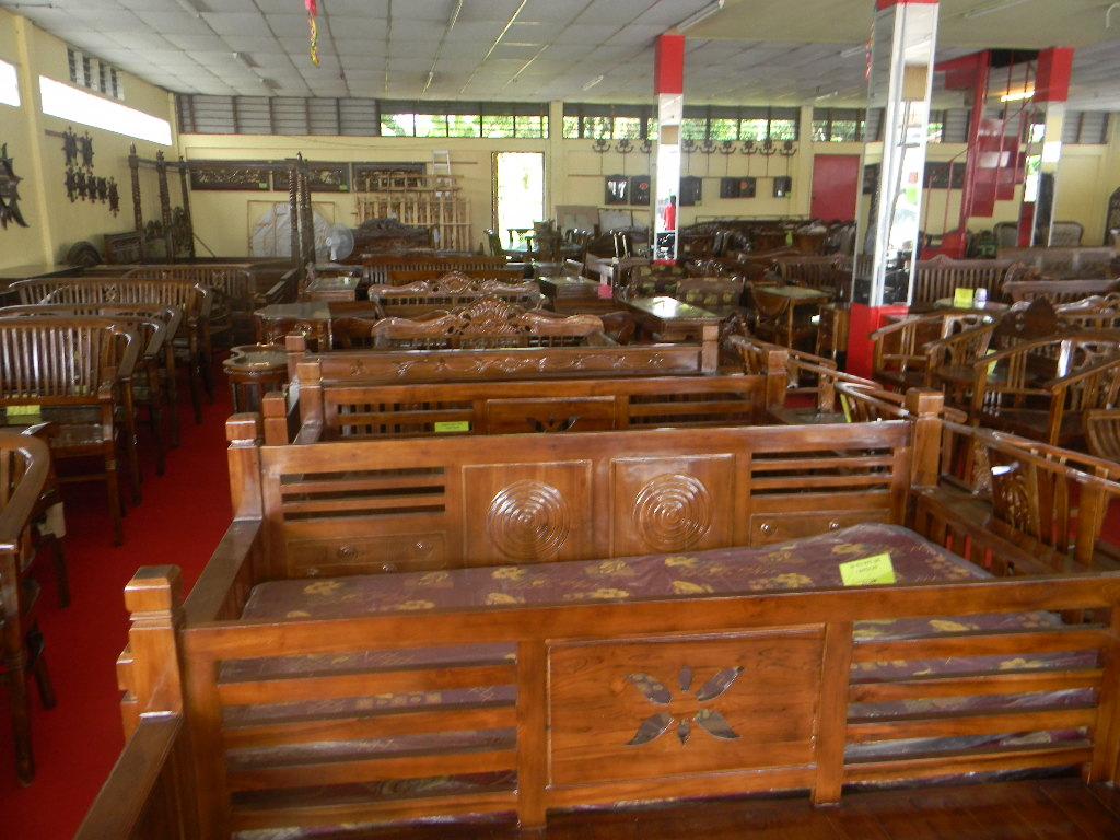 Cuticuti Kelantan Perabot Ukiran Jati Wakaf Che Yeh