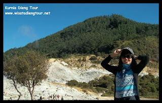 ria from kudus go to dieng