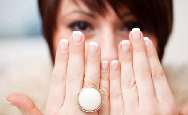 5 τρόποι να φροντίζεις τα νύχια σου ενδιάμεσα από τα ραντεβού σου για μανικιούρ!