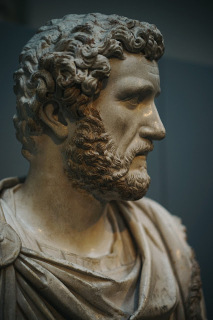 皇帝アントニヌス・ピウスの軍服を着た胸像(Marble bust of the Emperor Antoninus Pius in military dress)