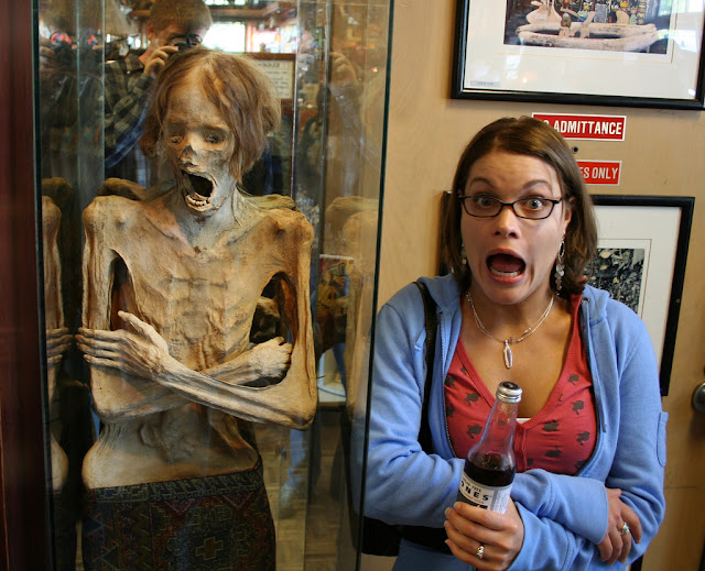Funny Picture Of the Day 09-05-2012 | Girl posing like a Horror skeleton in Gallery | Funny Girl | Horror Girl wallpaper | Totally Cool Pix | girl skeleton | Big Picture | Wallpaper | HD Desktop