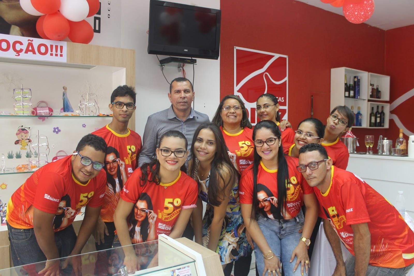 2937f7e01a5ba A Óticas Diniz - A maior rede de Óticas do Brasil está completando 5 anos  de Barra do Corda e quem ganha presente é você cliente!