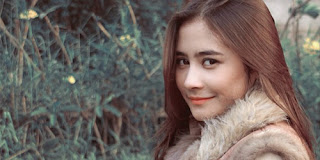 Lirik : Prilly Latuconsina - Fall In Love