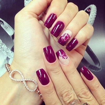 como decorar uñas con esmalte y agua