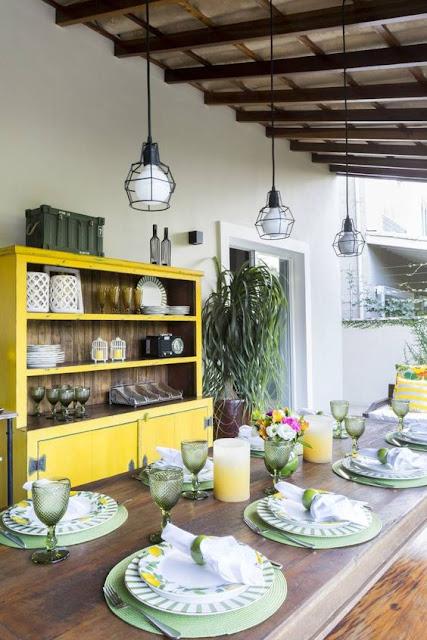 armario-madeira-amarelo-decoração-area-gourmet