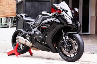 JURAGAN MOGE BEKAS BANDUNG : Forsale Moge CBR1000RR Honda 2013 - BANDUNG