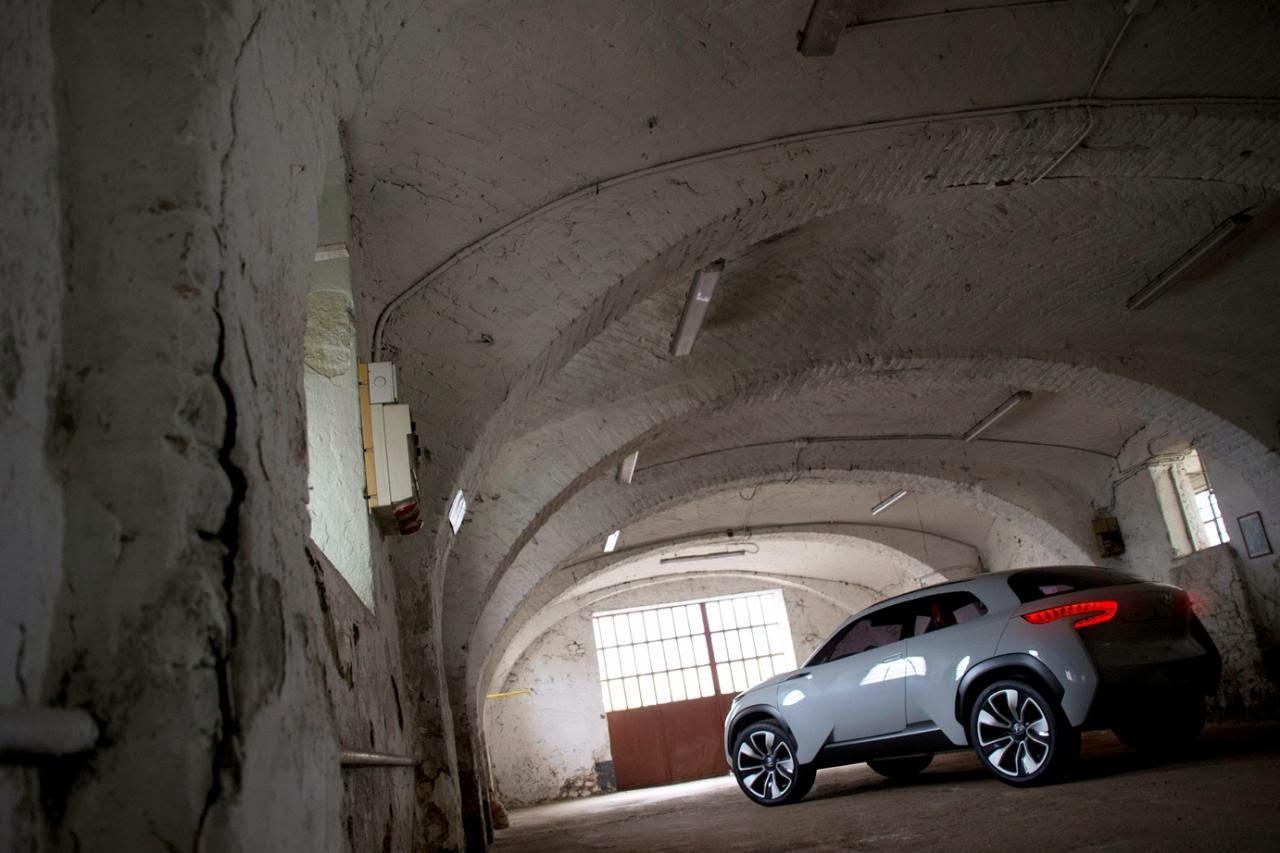 [Resim: Hyundai+Intrado+2.jpg]