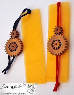 segnalibro elastico ruote legno