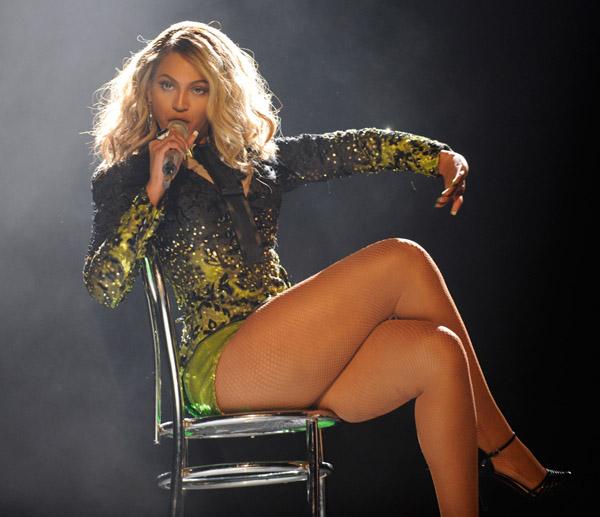 Beyonce big legs