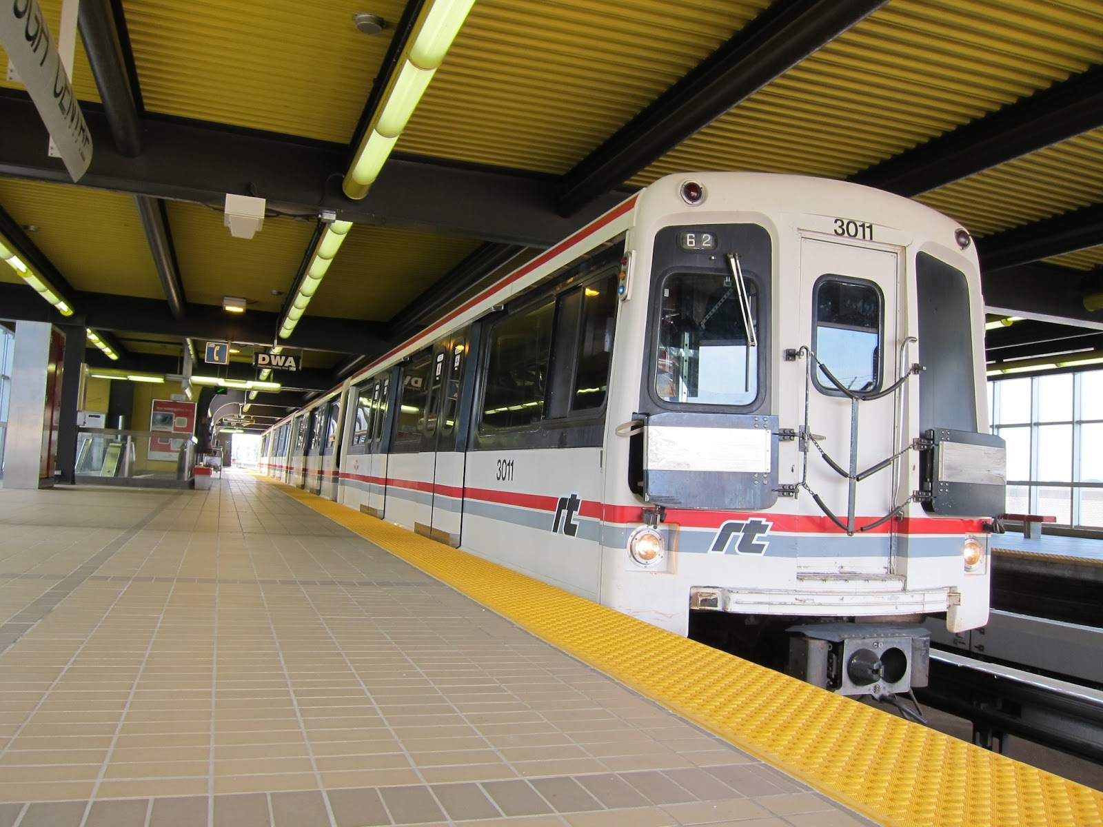 RT train at Scarborough Centre