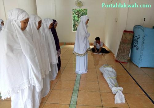 Bacaan Niat Dan Tata Cara  Doa Setelah Sholat Jenazah  Menurut Sunnah