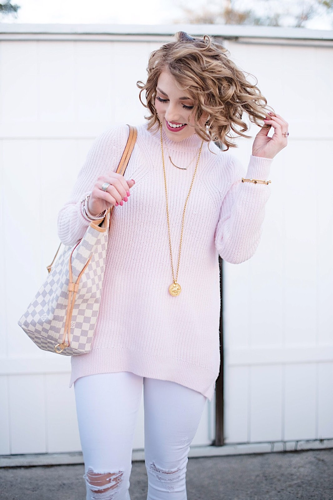 Pink, white and gold - See more on Something Delightful Blog