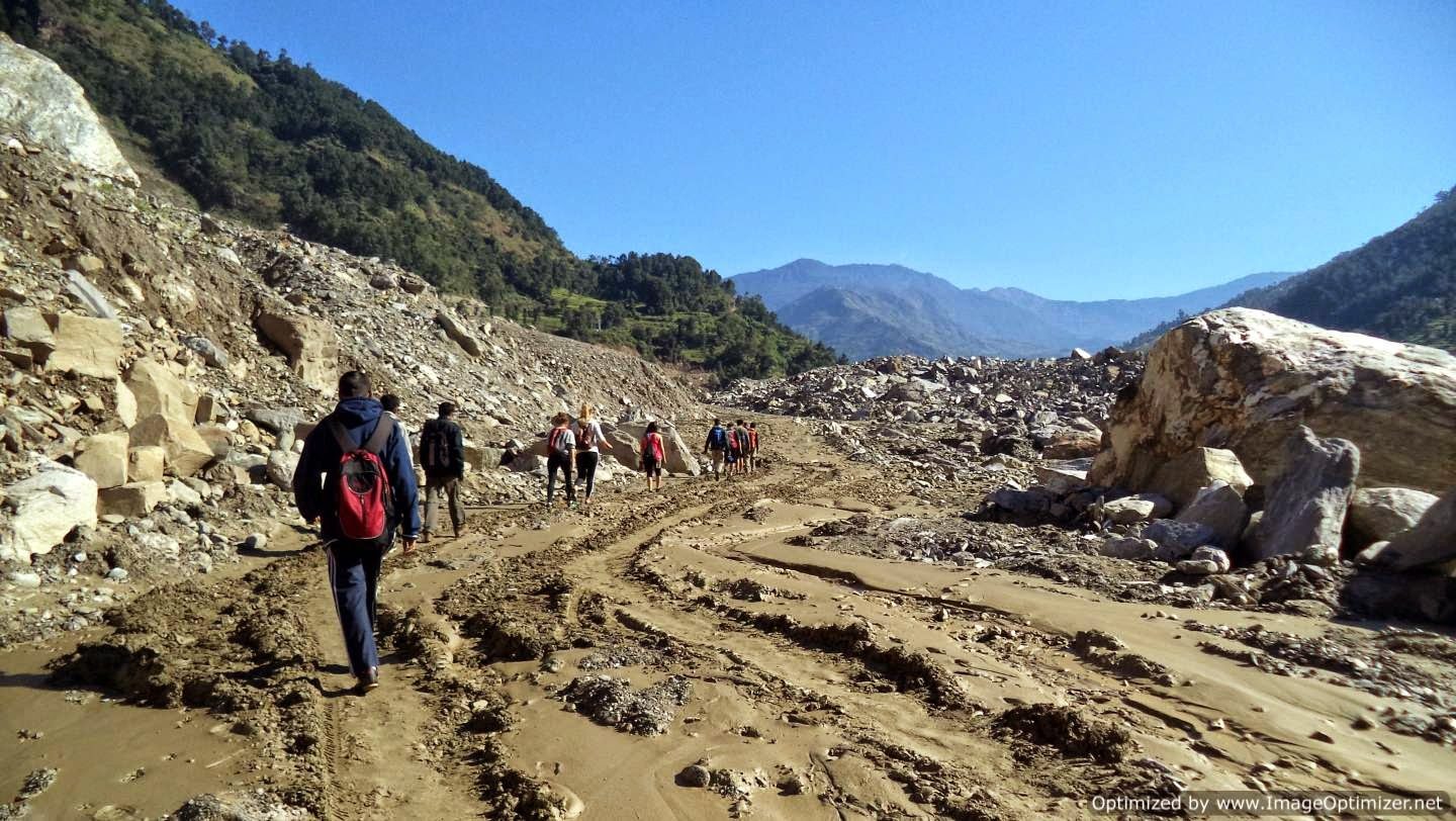 A short trek that we had during the journey