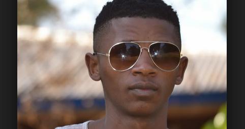 e.tv's Scandal! 19-year-old Ayanda Daweti New soapie charmer