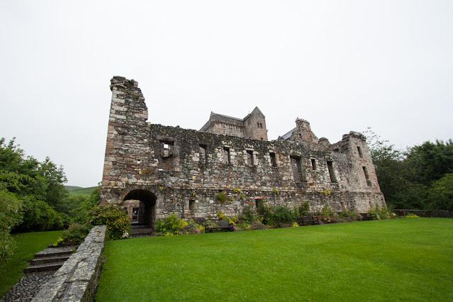 Castle Campbell a Dollar