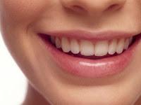 Cara Memerahkan Bibir Menggunakan Bahan Alami