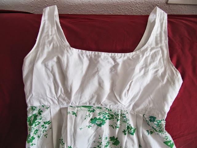Vestido blanco flores verdes