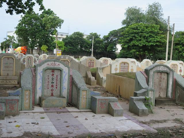 Cementerio chino en Kanchanaburi