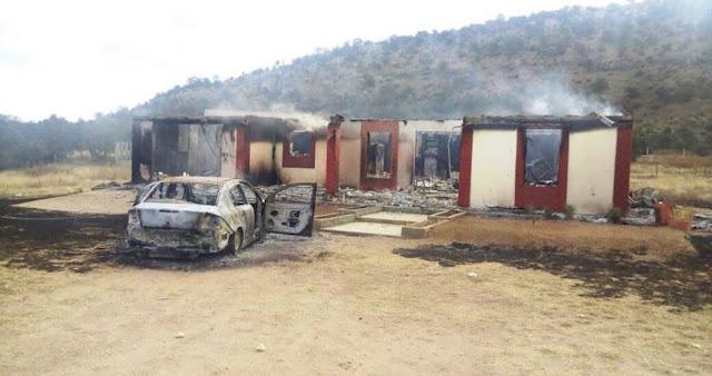 Queman casas, balean patrullas, secuestran a doctor y a restaurantero en pueblo de Chihuahua