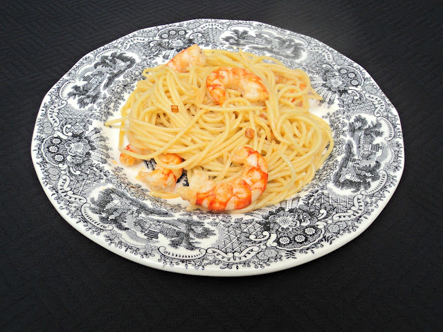 spaguettis-gambas-presentación
